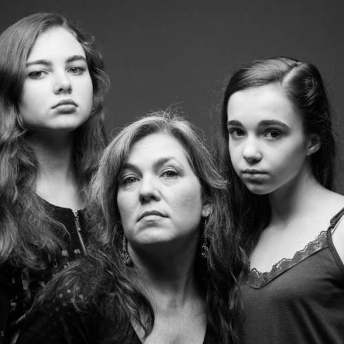 Skrebneski - Mother and Daughters